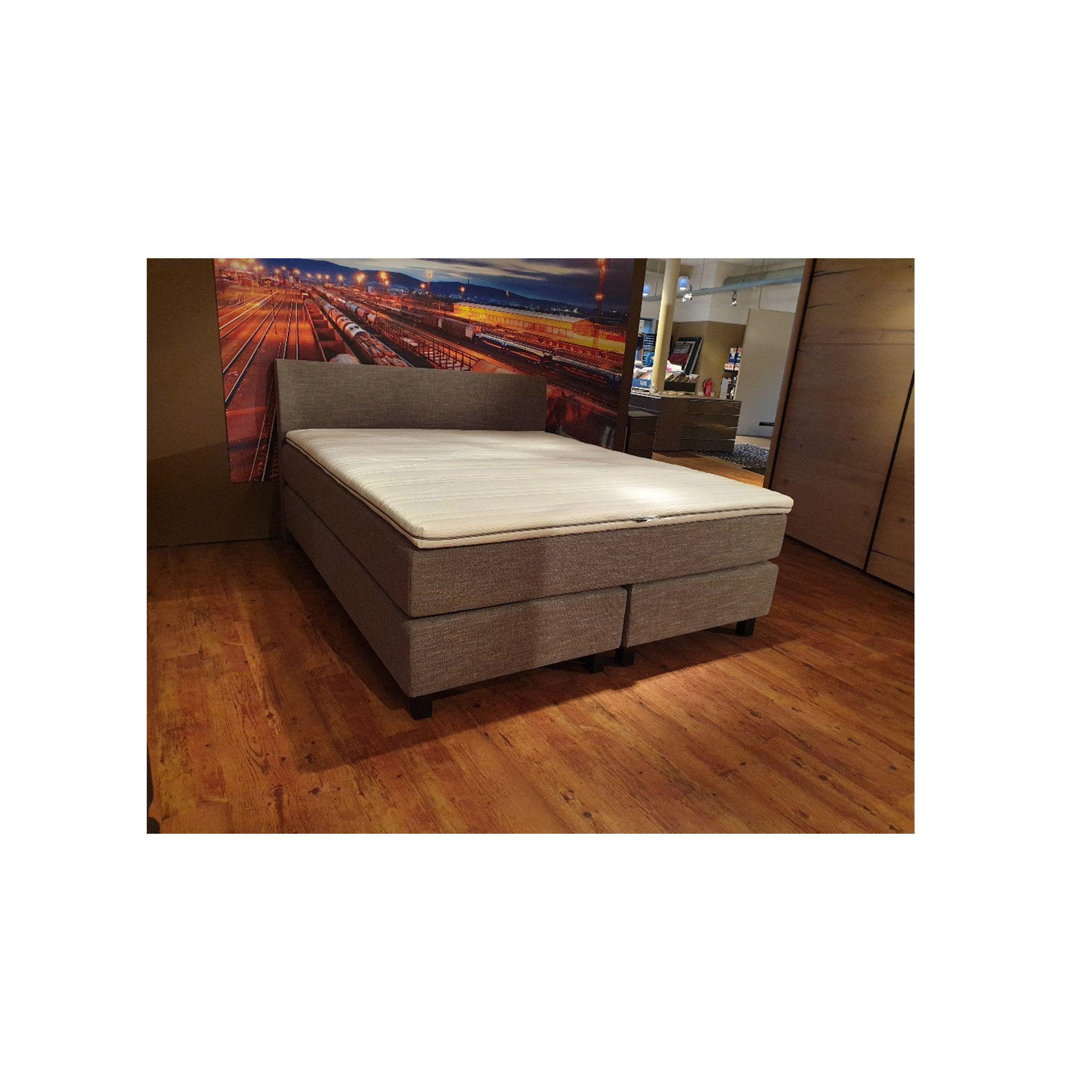 Eastborn Plain Grey - Showroommodel