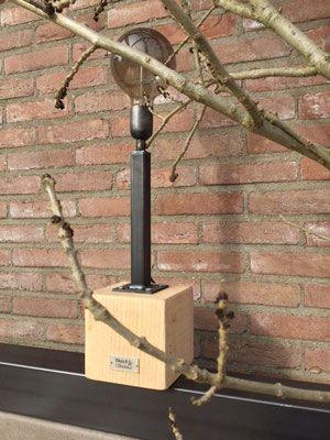 Steel en Stockings Lamp Block